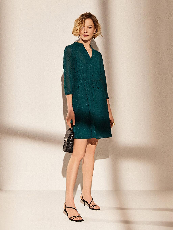 %100 Polyester %87 Polyester %13 Elastan Diz Altı Desenli Kısa Kol Diz Altı Desenli Kısa Kollu Elbise