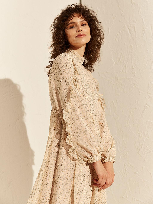 %100 Polyester Fırfır Detaylı Desenli Şifon Elbise