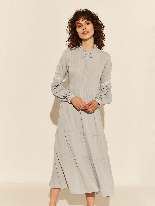 %100 Viskoz %90 Polyester %10 Elastan Uzun Düz Uzun Kol Dantel Detaylı Viskon Elbise