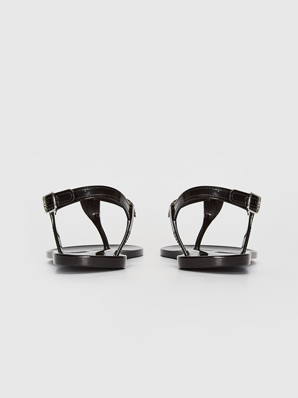 Kadın Parmak Arası Taş Detaylı Sandalet