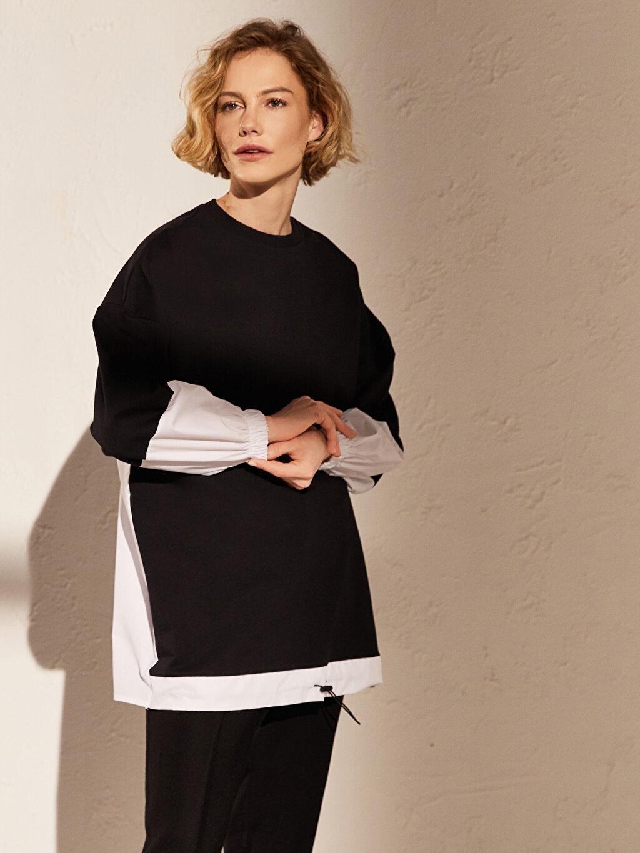 Siyah Renk Bloklu Pamuklu Sweatshirt 0SM597Z8 LC Waikiki