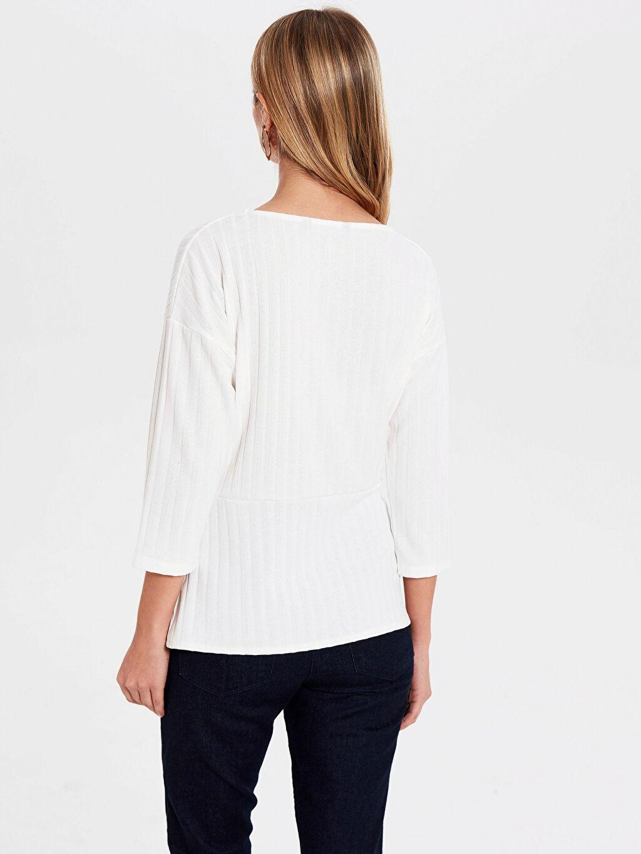 Kadın Düz Bel Detaylı Tişört