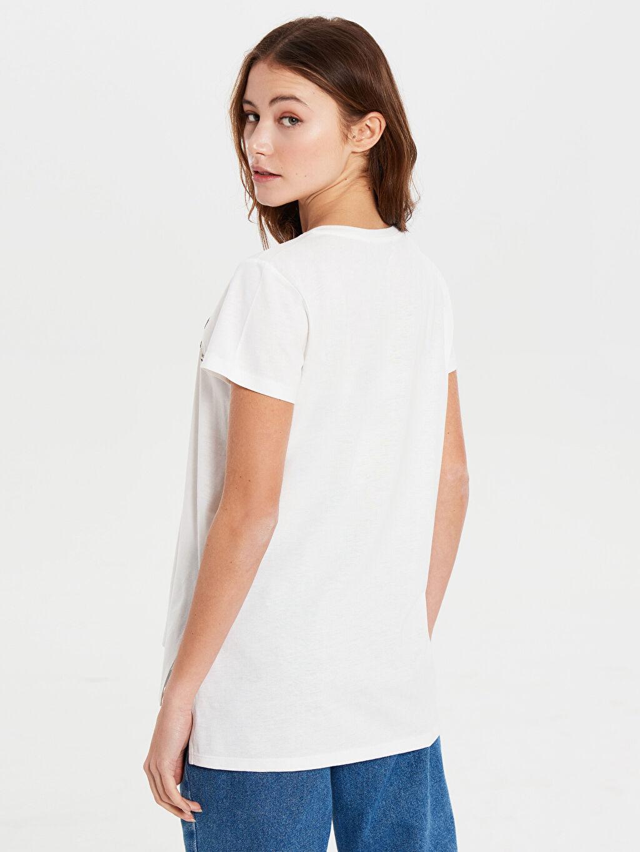 %50 Pamuk %50 Polyester Pul Nakışlı Yazı Baskılı Tişört