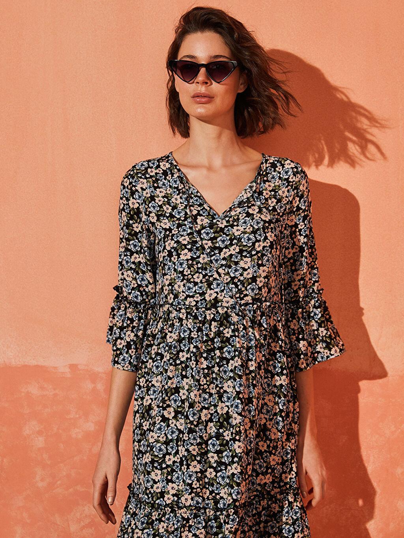 Kadın Desenli Fırfır Detaylı Viskon Elbise