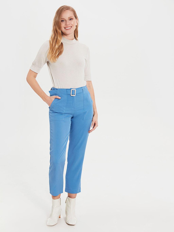 Mavi Bilek Boy Düz Paça Kemerli Pantolon 0SB049Z8 LC Waikiki