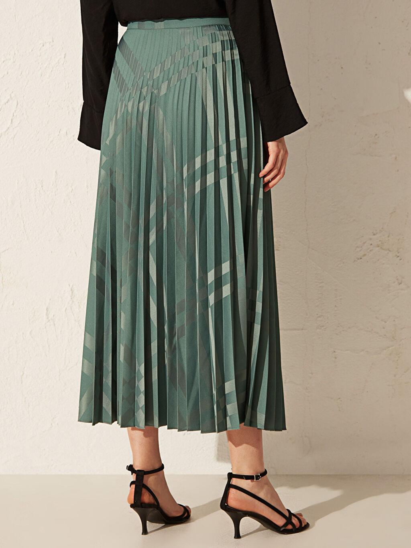 %100 Polyester Kendinden Desenli Uzun Pileli Etek