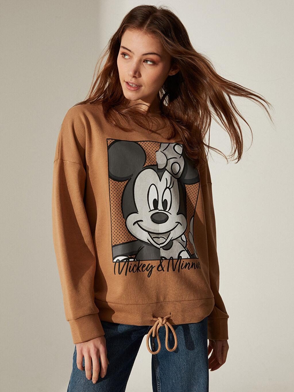 Kahverengi Mickey Mouse Baskılı Sweatshirt 0SC065Z8 LC Waikiki