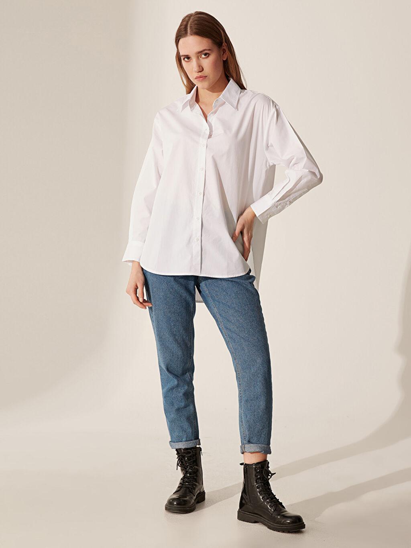 Kadın Sırtı Yazı Baskılı Salaş Poplin Gömlek