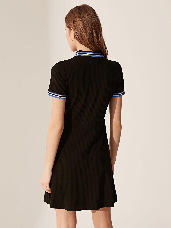 %93 Viskoz %7 Elastan Düğme Detaylı Slim Elbise