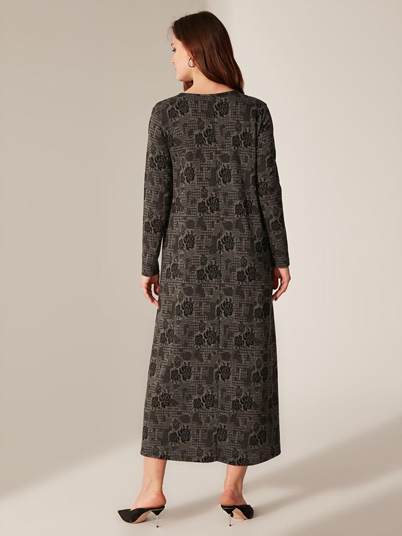 Kadın Desenli Uzun Esnek Elbise
