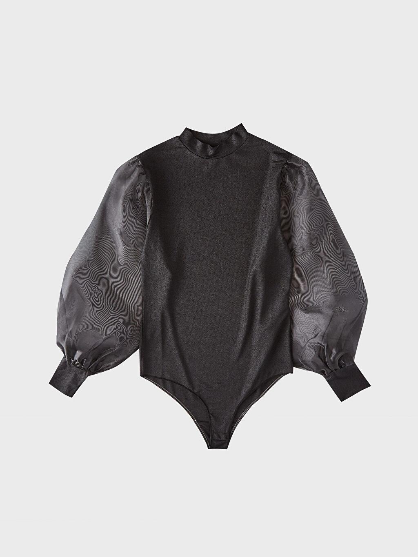 Siyah Tül Detaylı Yarım Balıkçı Yaka Tişört