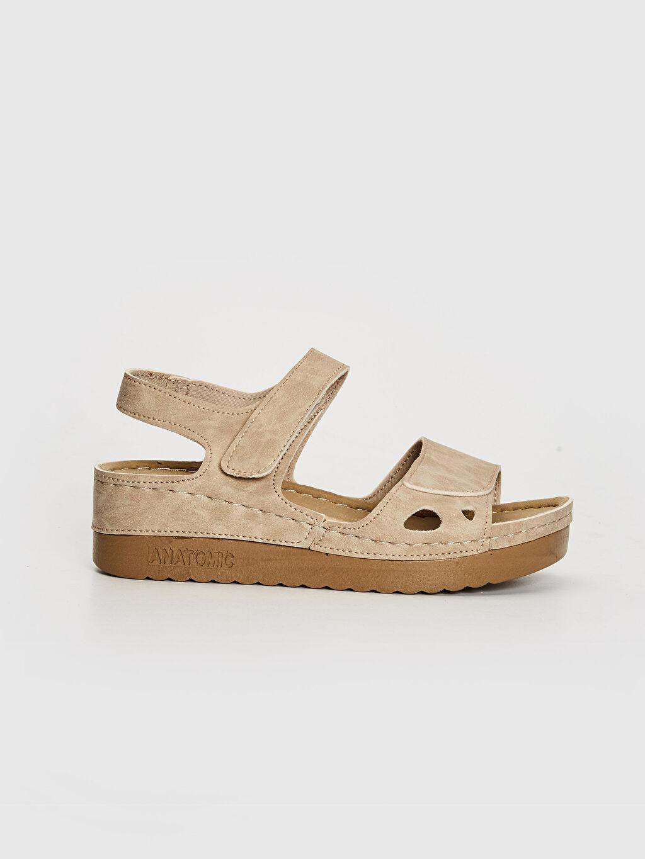 Bej Kadın Kalın Taban Cırt Cırtlı Sandalet 0SR747Z8 LC Waikiki