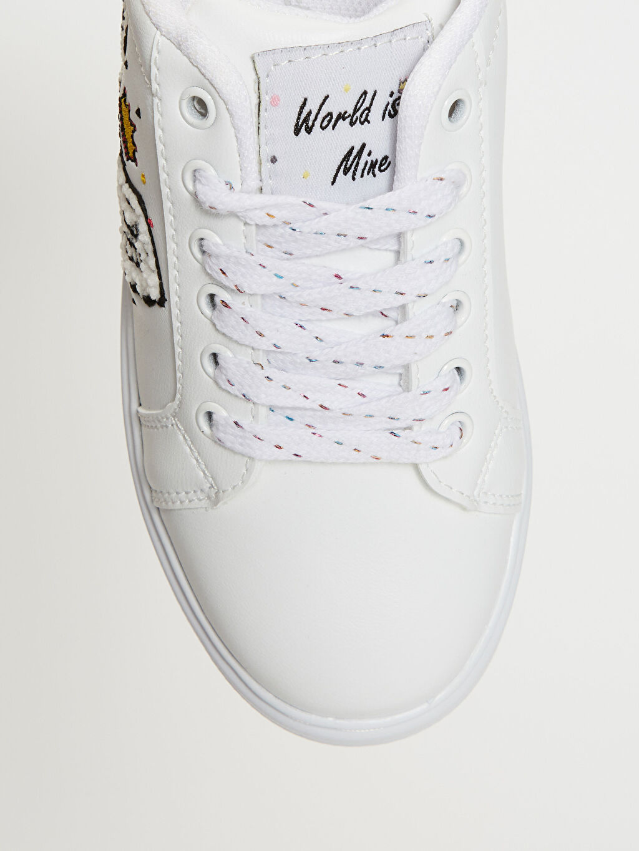 LC Waikiki Beyaz Kız Çocuk Nakış Detaylı Günlük Ayakkabı