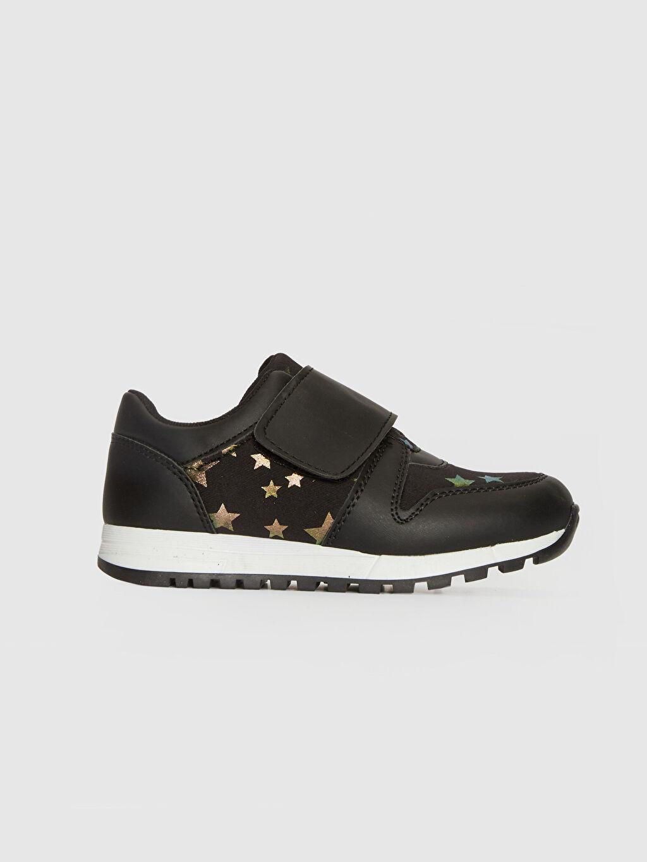 Siyah Kız Çocuk Yıldız Detaylı Cırt Cırtlı Ayakkabı 0S6534Z4 LC Waikiki