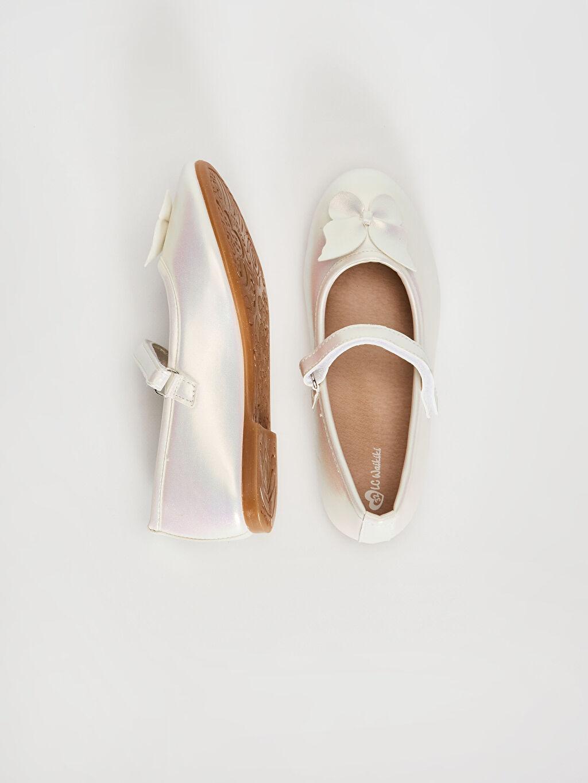 %0 Diğer malzeme (poliüretan)  Kız Çocuk Fiyonk Detaylı Cırt Cırtlı Babet Ayakkabı