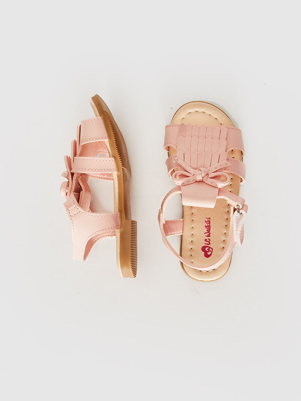 %0 Diğer malzeme (poliüretan)  Kız Bebek Fiyonk ve Püskül Detaylı Sandalet