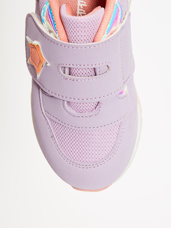 LC Waikiki Lila Kız Bebek Kalın Taban Hologram Detay Cırt Cırtlı Günlük Ayakkabı
