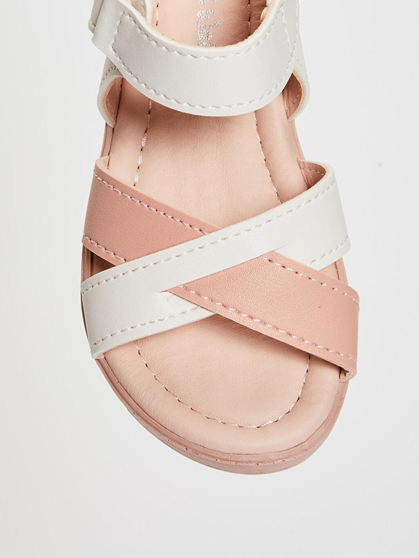 LC Waikiki Pembe Kız Bebek Çapraz Bant Detaylı Sandalet