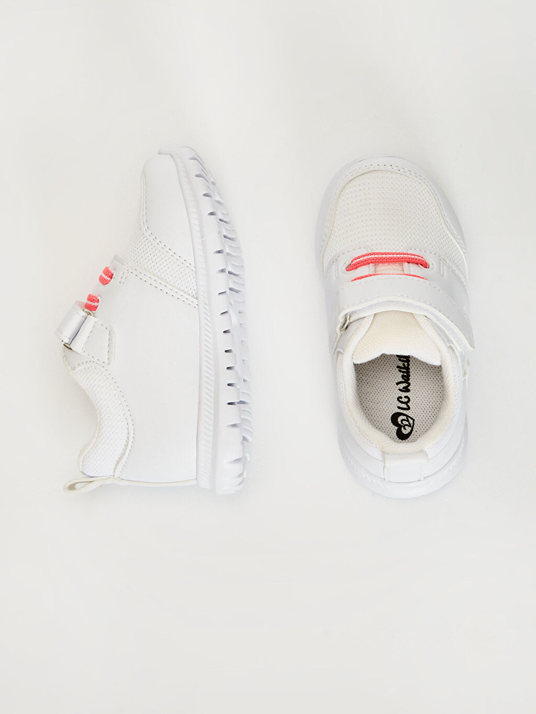 %0 Diğer malzeme (poliüretan) %0 Tekstil malzemeleri (%100 poliester)  Kız Bebek Cırt Cırtlı Aktif Spor Ayakkabı