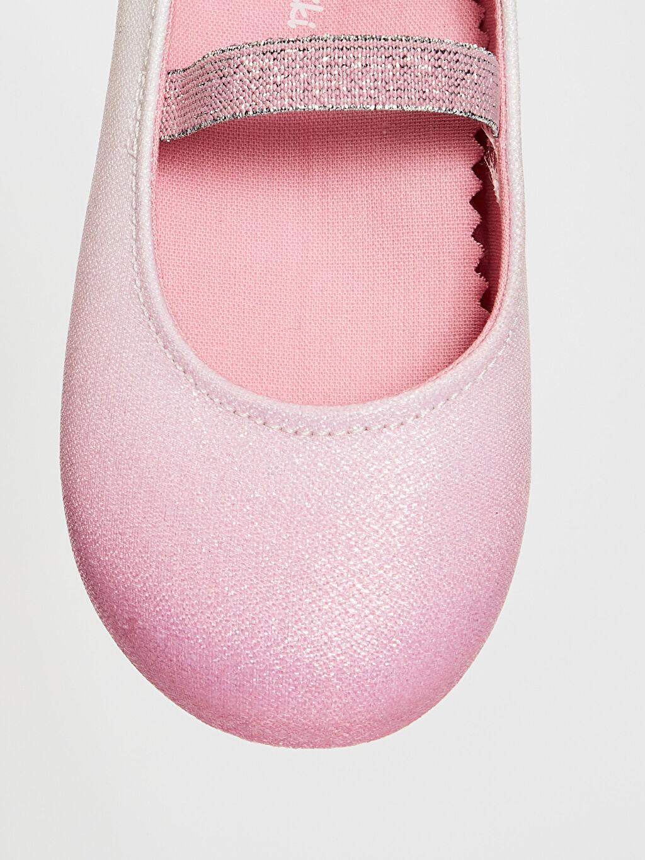 LC Waikiki Pembe Kız Bebek Parlak Görünümlü Babet Ayakkabı