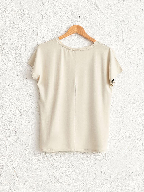 Kadın Çiçek Desenli Viskon Tişört