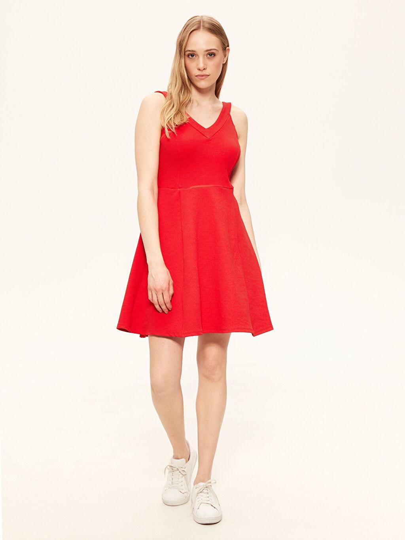 Kırmızı V Yaka Esnek Kloş Elbise 0SB323Z8 LC Waikiki