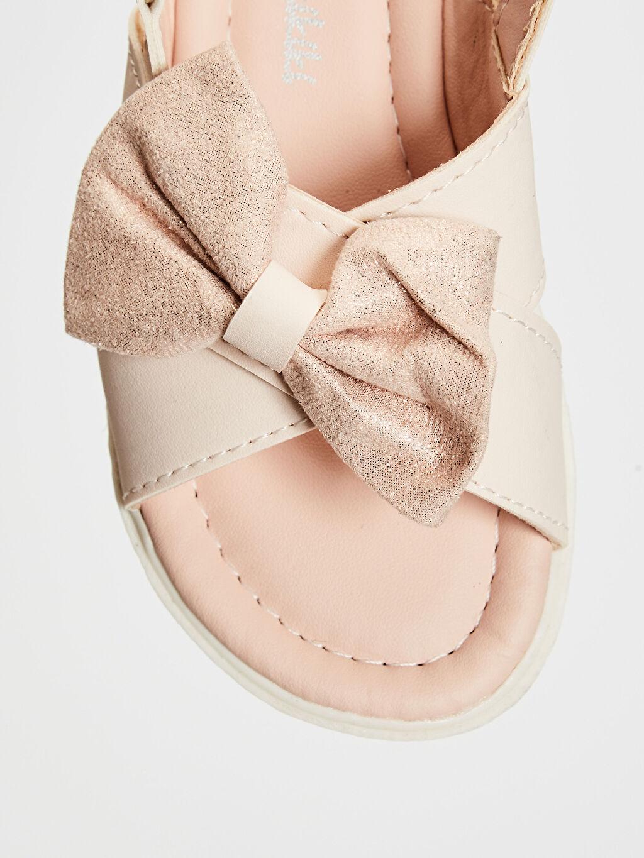 %0 Diğer malzeme (poliüretan) %0 Tekstil malzemeleri (%100 poliester) Sandalet PU Astar Işıksız Cırt Cırt Kız Bebek Fiyonk Detaylı Cırt Cırtlı Sandalet