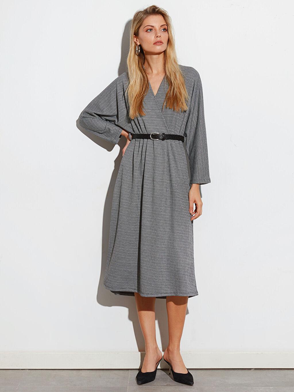 %67 Polyester %31 Viskoz %2 Elastan V Yaka Uzun Kol Düz Elbise Ofis/Klasik Standart Kısa Orta Kalınlık Dokulu Kumaştan Kemerli Kloş Elbise