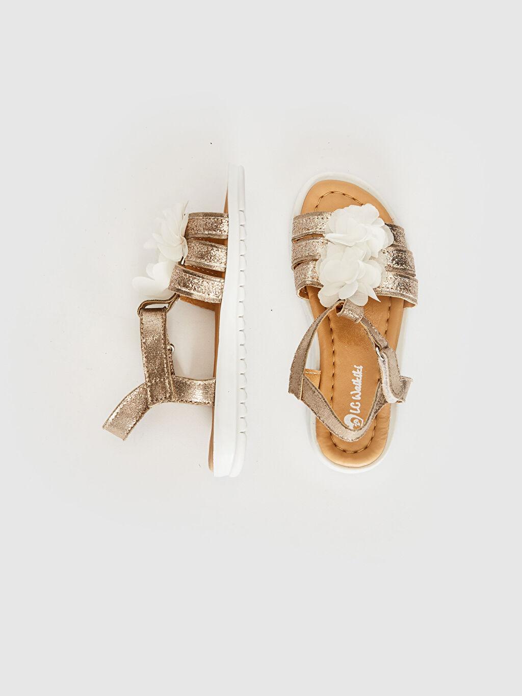 Kız Çocuk Kız Çocuk Çiçek Detaylı Sandalet
