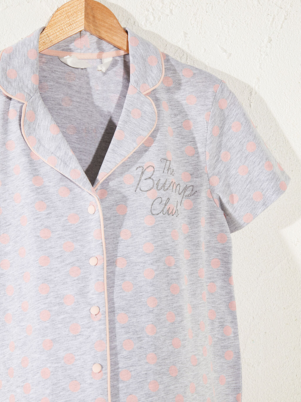 %47 Pamuk %53 Polyester Uzun Kısa Kol Puantiye Capri Penye Standart Gömlek Yaka İnce Düğme Detaylı Hamile Pijama Takımı