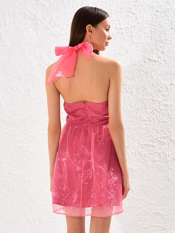 0SV585Z8 Tül Detaylı Halter Yaka Elbise