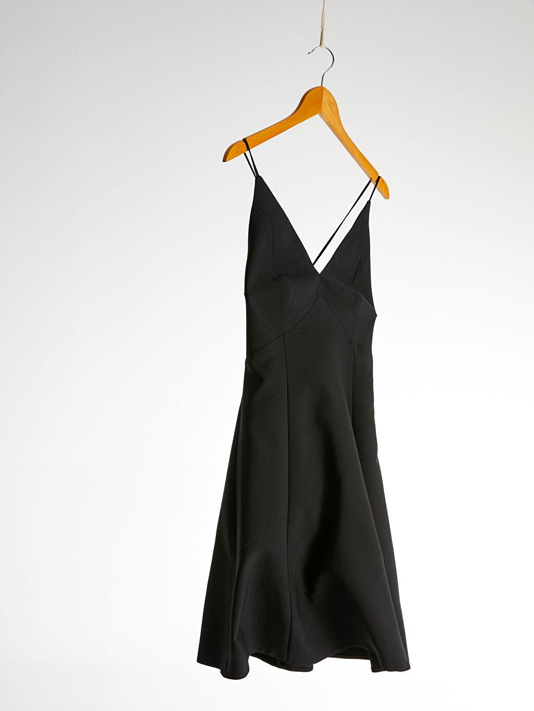 %95 Polyester %5 Elastan %100 Polyester Orta Kalınlık Düz Parti Askılı Elbise Appleline Beli Dekolte Detaylı Askılı Elbise