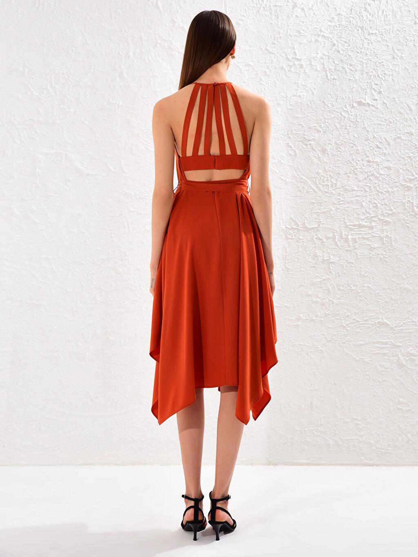 0SV794Z8 Halter Yaka Sırt Detaylı Elbise