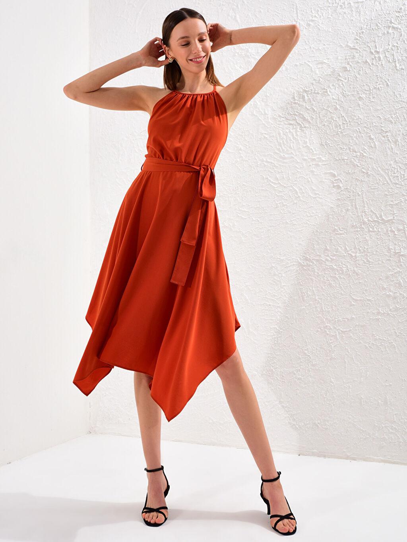 Turuncu Halter Yaka Sırt Detaylı Elbise