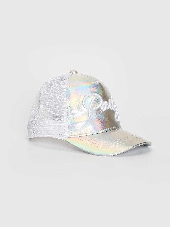 Beyaz Kız Çocuk Yazı Nakışlı Hologram Şapka 0W5717Z4 LC Waikiki