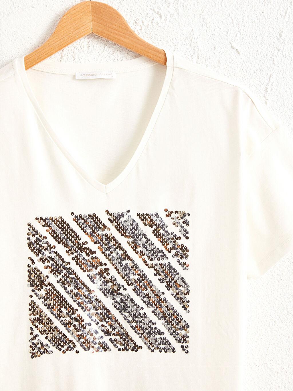 Kadın Pul Nakışlı Pamuklu Tişört