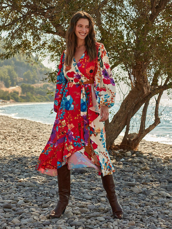 Ekru Oopscool X Lcwaikiki Çiçek Desenli Kuşakli Anvelop Elbise 0WEM55Z8 LC Waikiki