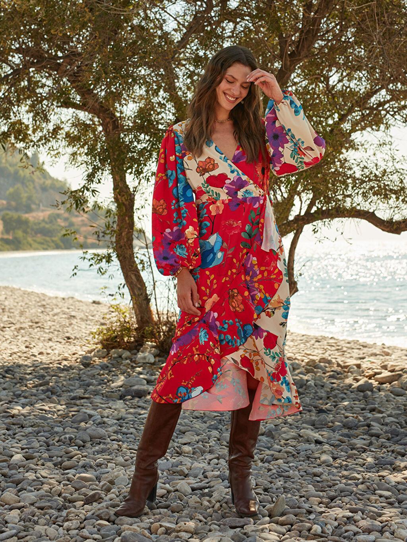 Kadın Oopscool X Lcwaikiki Çiçek Desenli Kuşakli Anvelop Elbise