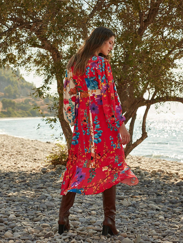0WEM55Z8 Oopscool X Lcwaikiki Çiçek Desenli Kuşakli Anvelop Elbise