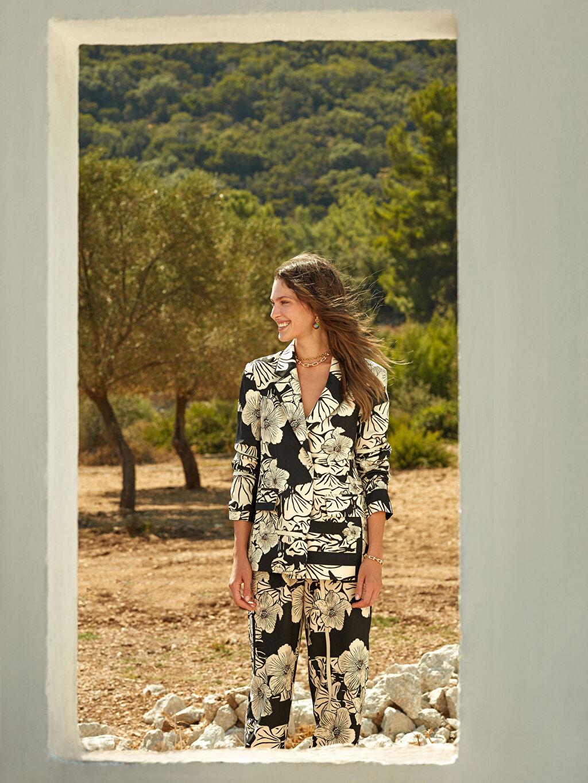 %85 Polyester %15 Elastan Oopscool X Lcwaikiki Çiçek Desenli Blazer Ceket
