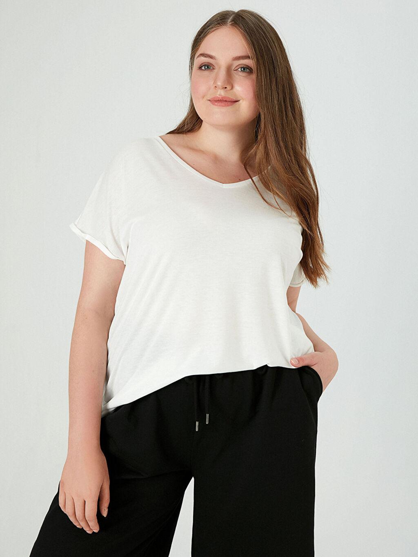 %63 Polyester %37 Viskon Tişört V Yaka Kısa Kol Düz V Yaka Tişört