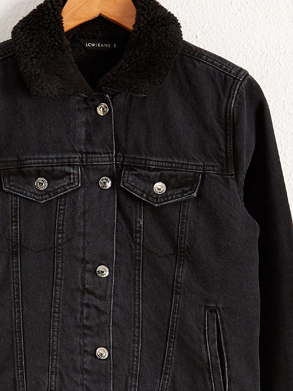 Kadın Yakası Kürklü Jean Ceket