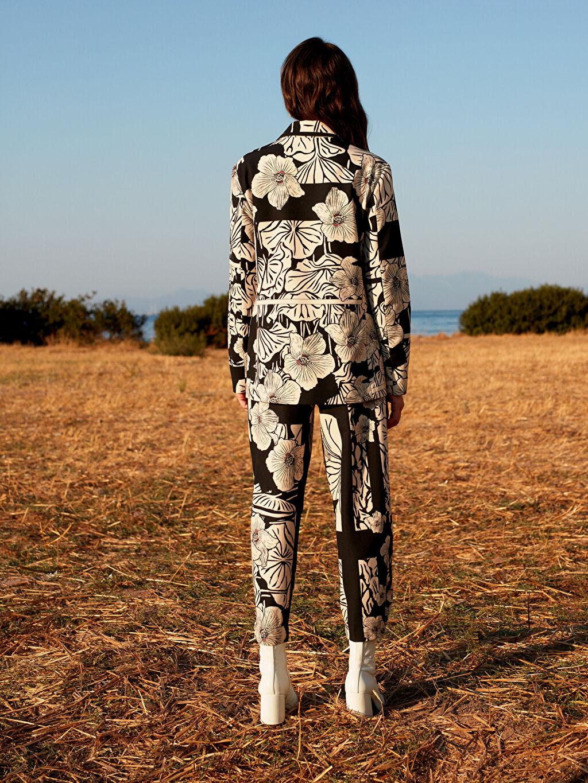 %85 Polyester %15 Elastan Oopscool X Lcwaikiki Çiçek Desenli  Bilek Boy Havuç Pantolon