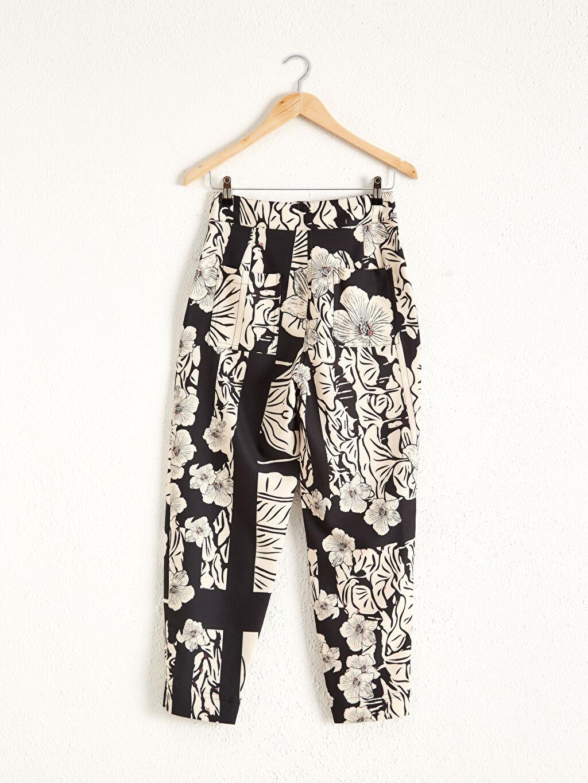 Siyah Oopscool X Lcwaikiki Çiçek Desenli  Bilek Boy Havuç Pantolon