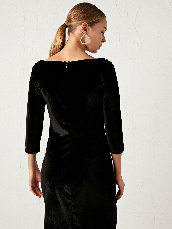 LC Waikiki Siyah Degaje Yaka Kadife Elbise