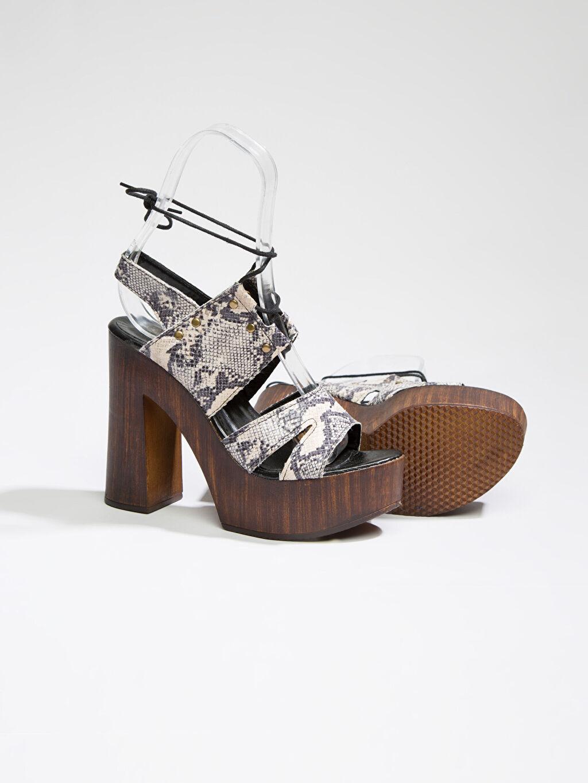 Diğer malzeme (poliüretan) Diğer malzeme (poliüretan) Ayakkabı Çok Renkli Ayakkabı