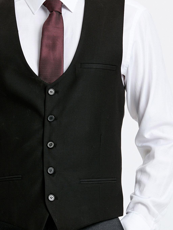 %83 Polyester %17 Viskon Kruvaze Yaka Dar Kalıp Klasik Yelek
