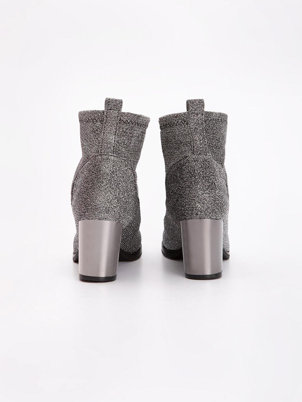 Kadın Topuklu Çorap Bot