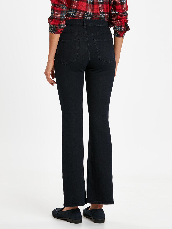 Kadın Beli Süs Düğme Detaylı Çizme Paça Jean Pantolon