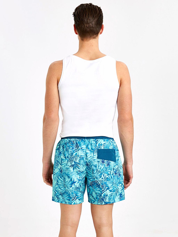Erkek Kısa Boy Standart Kalıp Desenli Deniz Şortu